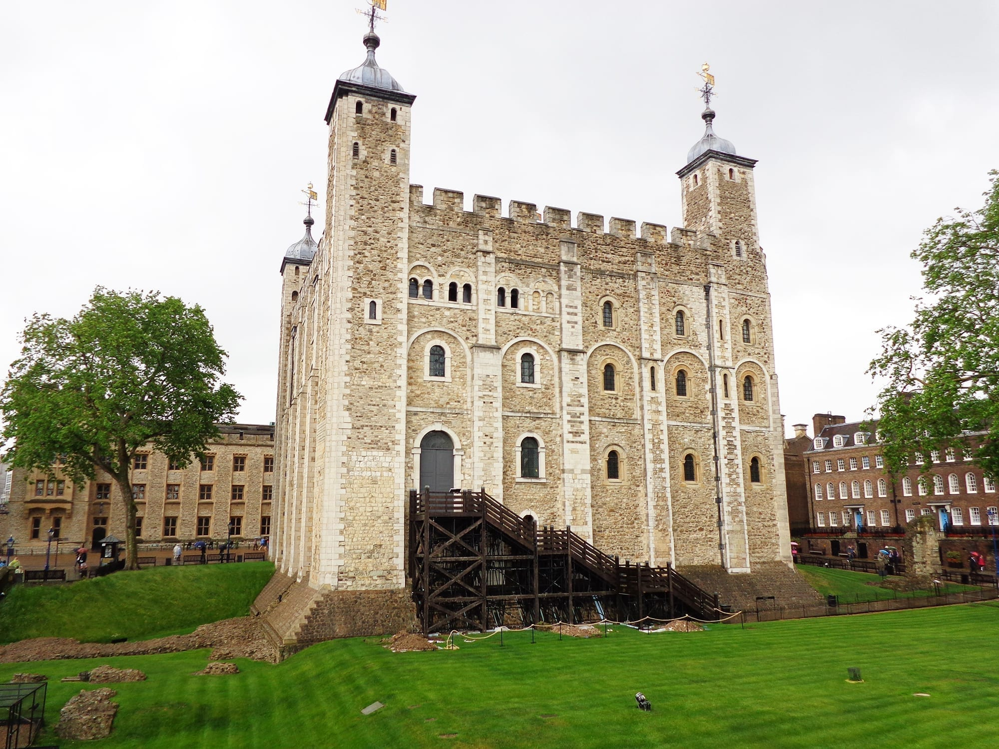 tower of london tour england