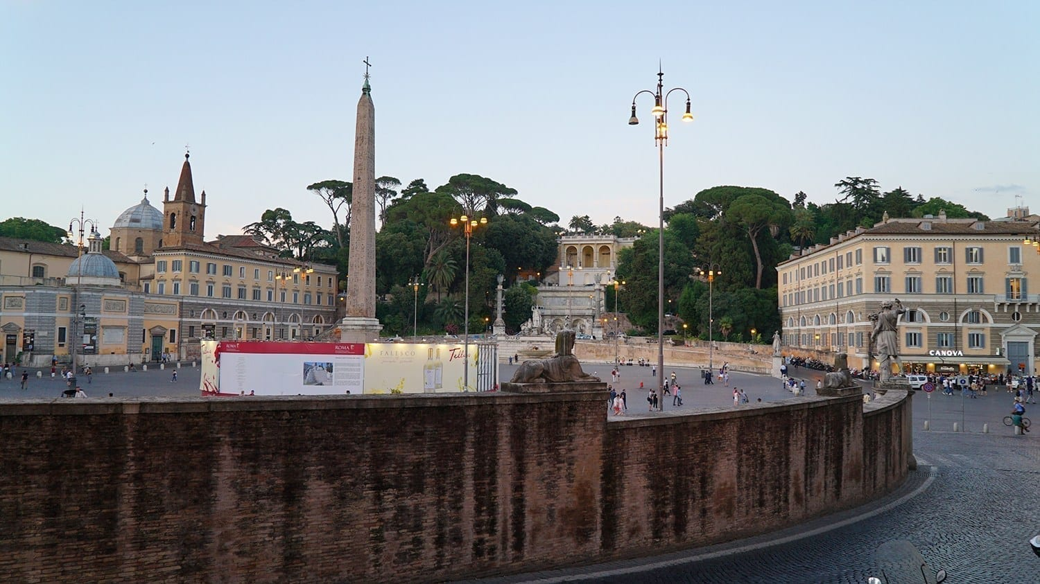 where to go in rome at night