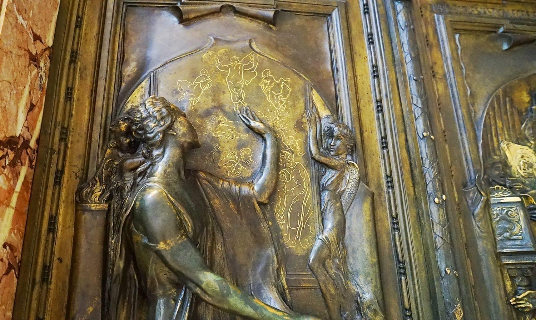 St Peter's Basilica Dress Code